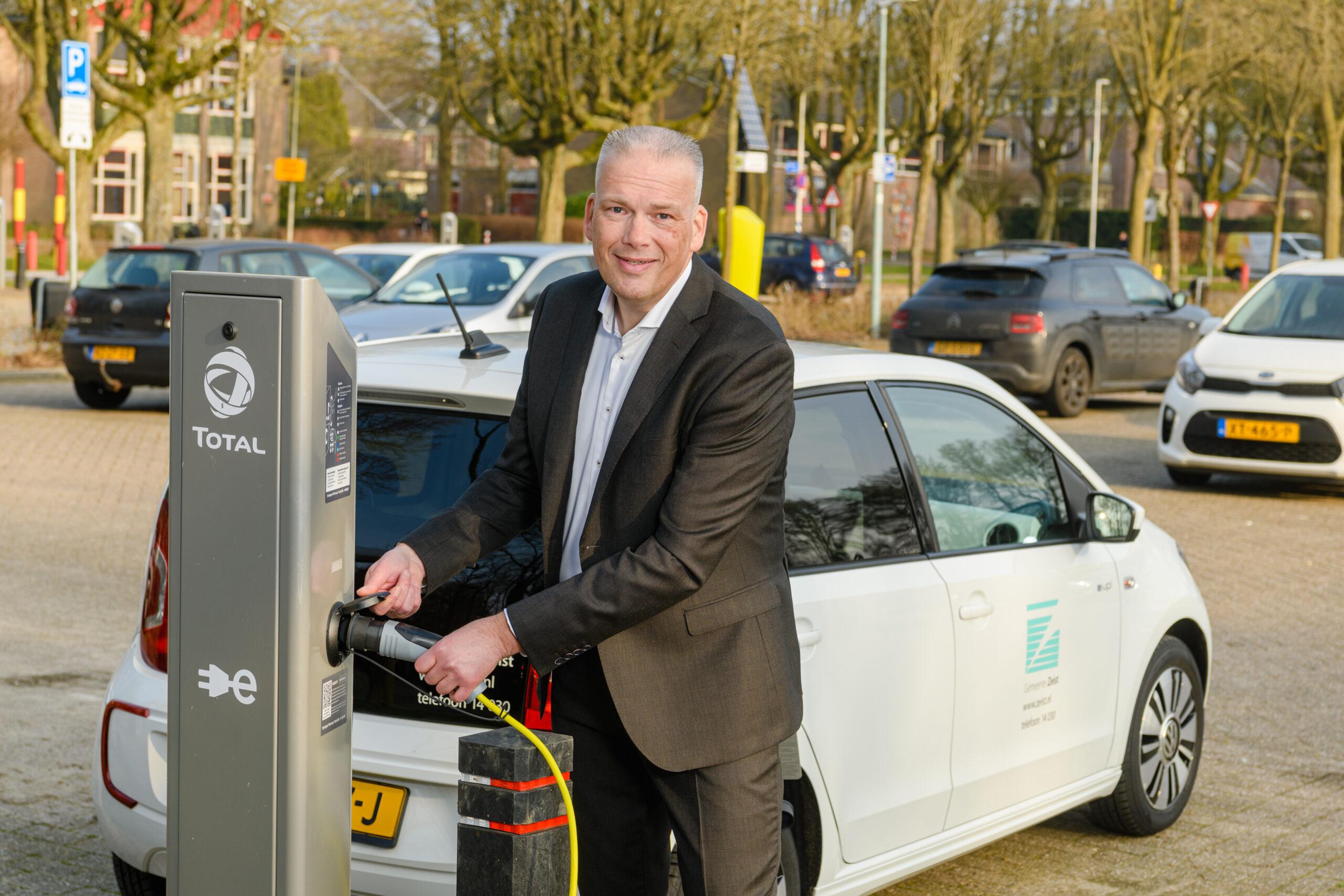 Zeist en MRA-Elektrisch zorgen voor laadplein elektrische auto's